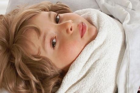 Компрессы на больное горло в домашних условиях