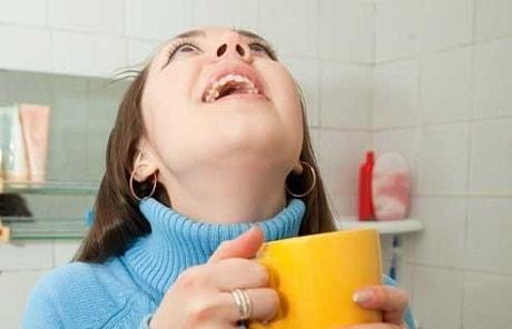 Чем полоскать горло при боли