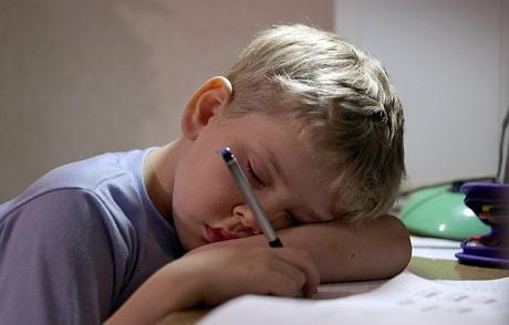 Переутомление у ребенка что делать