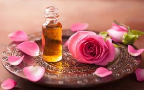 Применение масла из лепестков роз