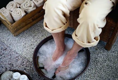 Ванночки для ног против потливости