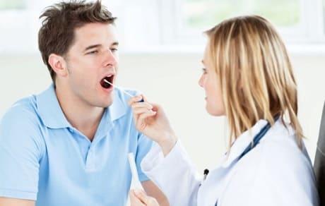 Почему скапливается слизь в горле