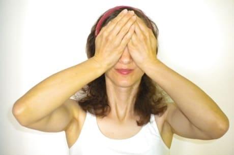 Как делать пальминг для зрения