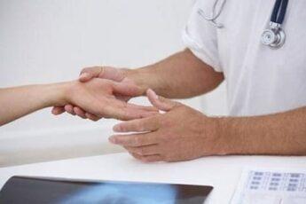 Покалывание в кончиках пальцев рук