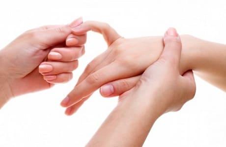 Покалывание в пальцах левой руки